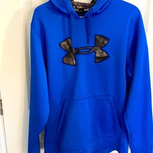 ⭐️PRICE DROP⭐️Under Armour Camo Hoodie